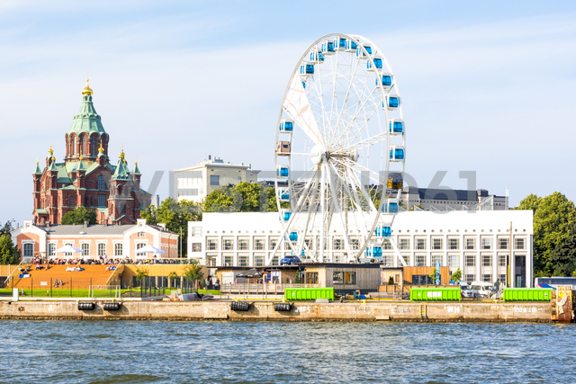 Finland, Helsinki, Uspenski Cathedral, big wheel Finnair Skywheel - CSTF01564
