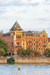 Czech Republic, Prague, town houses at Vltava - CSTF01596