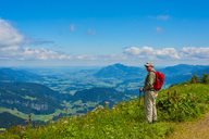 Germany, Bavaria, Allgaeu Alps, View from Fellhorn to Soellereck, male hiker - WGF01154