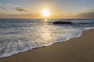Réunion, West Coast, Saint-Gilles-Les-Bains, beach Plage des Brisants - FOF09684