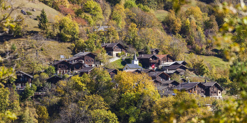 Switzerland, Valais, Tschingeren, houses in mountain village - WDF04320