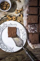Homemade brownie on plate - GIOF03750