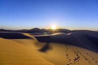 VAE, Abu Dhabi, Liwa Desert at sunrise - THAF02096