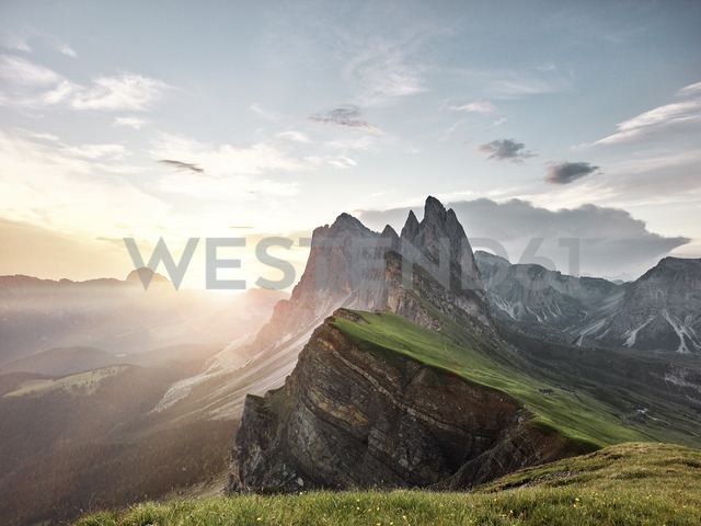 Italy, South Tyrol, Dolomites, St.Ulrich in Groeden, Seceda at sunrise - CVF00032