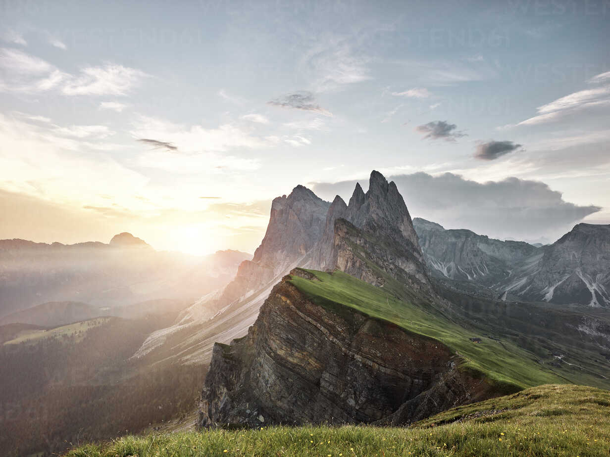 Italy, South Tyrol, Dolomites, St.Ulrich in Groeden, Seceda at sunrise - CVF00032 - Christian Vorhofer/Westend61