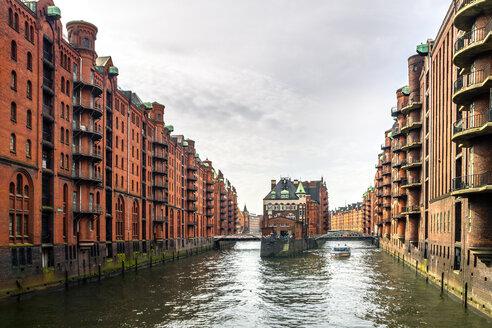 Germany, Hamburg, Speicherstadt, water castle - PUF01107