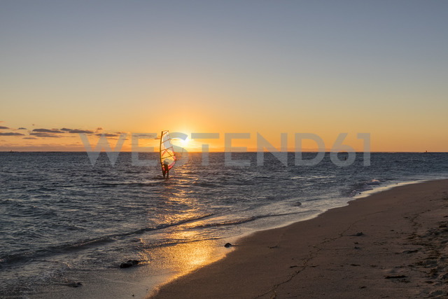 Mauritius, Le Morne, Indian Ocean, sail boarder at sunset - FOF09768 - Fotofeeling/Westend61