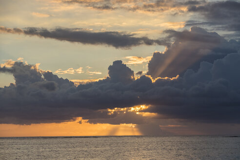 Mauritius, Le Morne, Sunset over the Indian Ocean - FOF09771