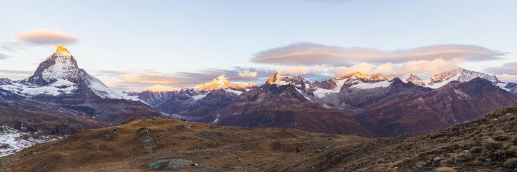 Switzerland, Valais, Zermatt, Matterhorn, Alphubel, Allalinhorn and Rimpfischhorn in the morning - WDF04333