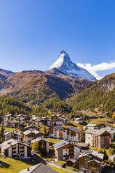 Switzerland, Valais, Zermatt, Matterhorn, townscape, chalets, holiday homes - WDF04351