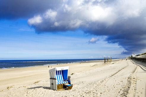 Germany, Schleswig-Holstein, Sylt, Kampen, beach - PUF01144
