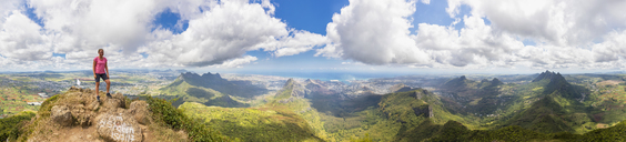 Mauritius, Le Pouce Mountain, female hiker, St. Pierre, Port Louis and summits of Snail Rock, Grand Peak, Creve Coeur and Pieter Both - FOF09799