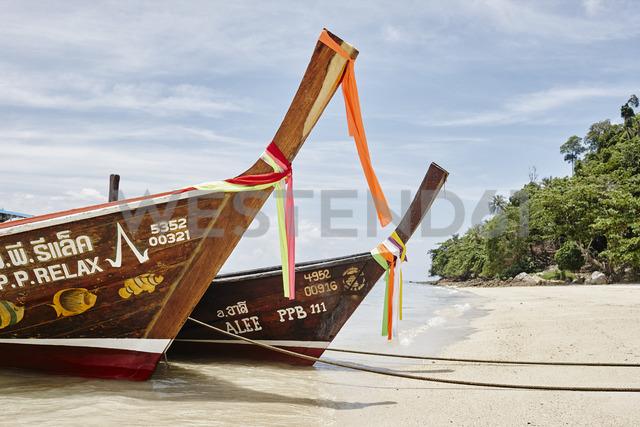 Thailand, Phi Phi Islands, Ko Phi Phi, moored long-tail boats - RORF01078