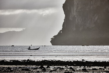 Thailand, Ko Yao Yai, silhouette of fishing boat on the sea - RORF01096
