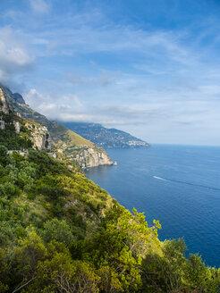 Italy, Campania, Gulf of Salerno, Sorrent, Amalfi Coast, Positano, cliff coast - AMF05610