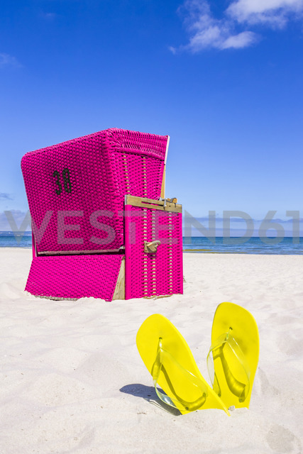 Germany, Mecklenburg-Western Pomerania, Baltic sea seaside resort Binz, Hooded beach chair on the beach - PUF01189