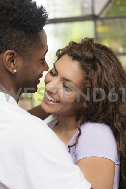 Close-up of happy young couple in love - LFEF00046