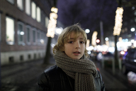 Portrait of blond boy in winter - KMKF00146
