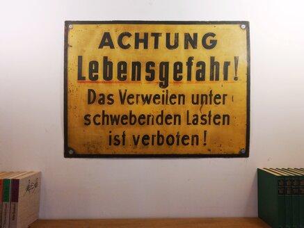 Warning sign - NG00441