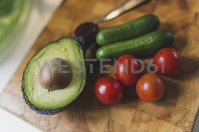 Vegetables on chopping board - ASCF00806