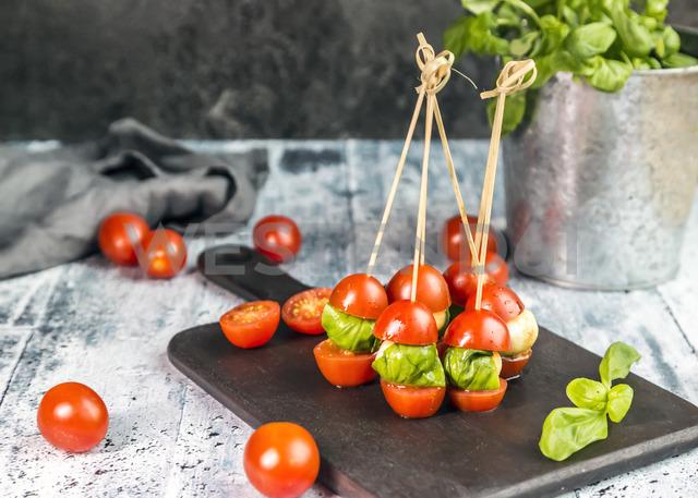 Tomato mozzarella sticks, basil - SARF03543