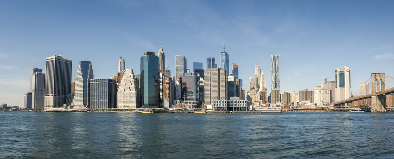 USA, New York City, skyline and Brooklyn Bridge as seen from Brooklyn - SEEF00025