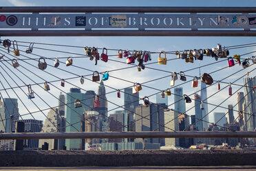 USA, New York City, skyline and love padlocks as seen from Brooklyn Pier - SEE00034