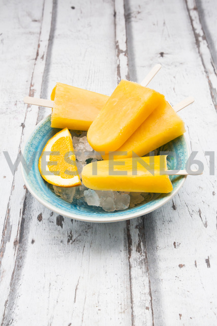 Homemade orange popsicles - LVF06681