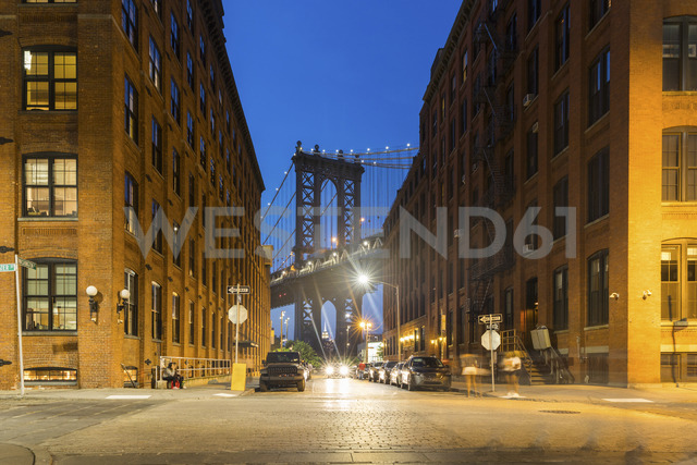 USA, New York City, view to Manhattan Bridge from Brooklyn at twilight - WPEF00091