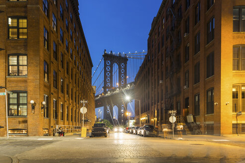 USA, New York City, view to Manhattan Bridge from Brooklyn at twilight - WPEF00091