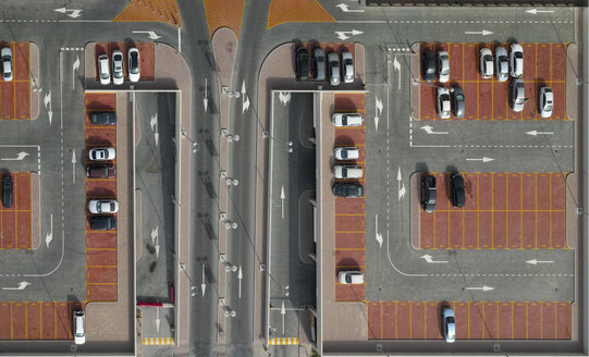 Directly above shot of cars in parking lot - FSIF01292