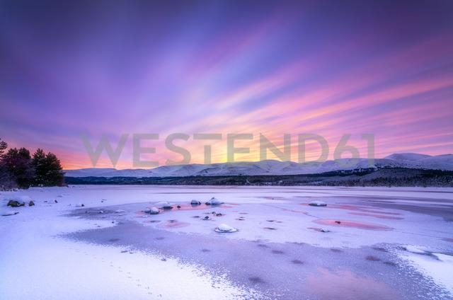 United Kingdom, Scotland, Highlands, Cairngorms National Park, Loch Morlich, sunrise - SMAF00932