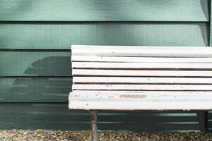 Empty white wooden bench - AFVF00024
