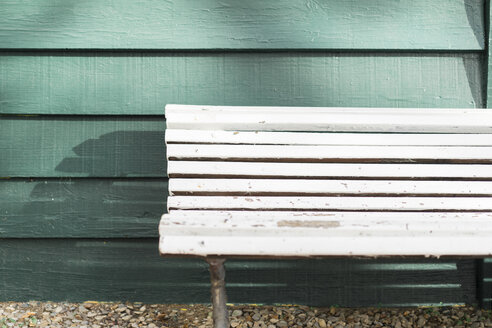 Empty white wooden bench - AFVF00024