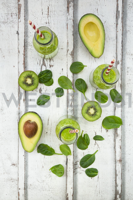 Green smoothie, detox, with avocado, baby spinach and kiwi - LVF06706