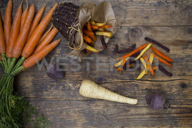 Organic beetroot, carrot and parsnip fries - LVF06712