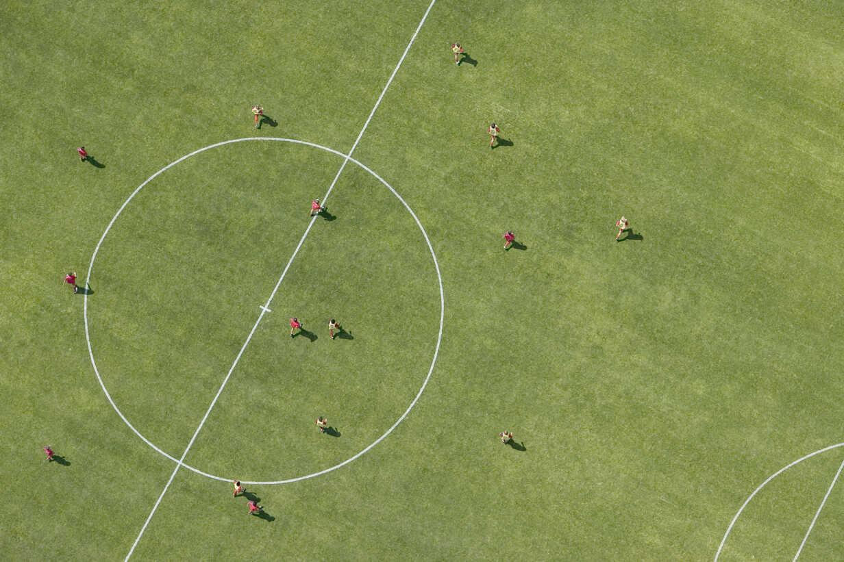 Aerial view of football match - FSIF02345 - fStop/Westend61