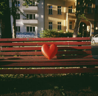 Red heart on an empty bench - FSIF02369
