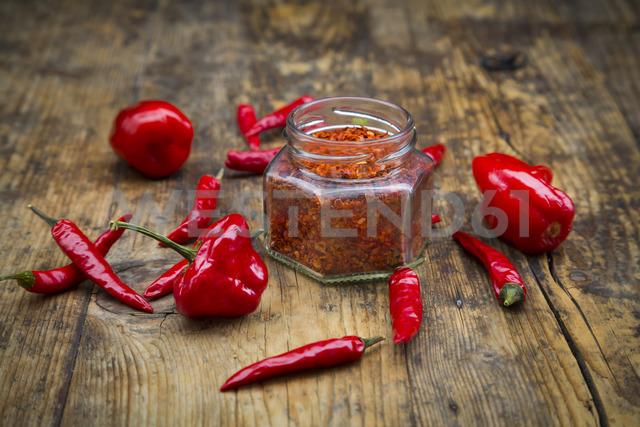 Red chilis and chili powder - LVF06731