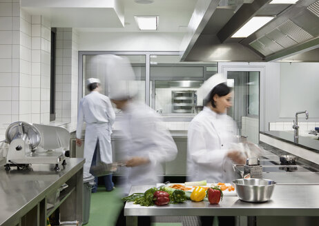 A busy commercial kitchen - FSIF02613