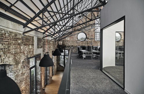 Modern office in old factory - PDF01540