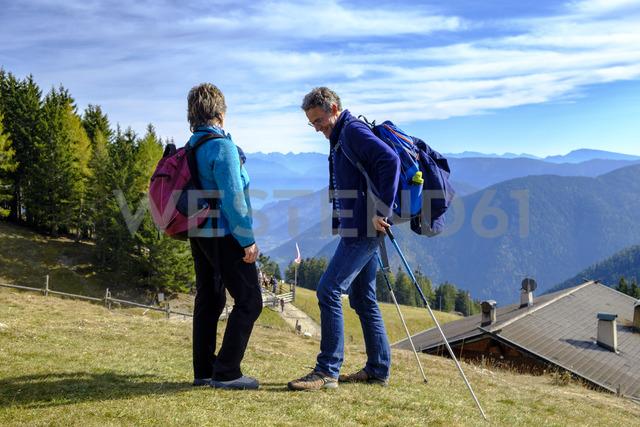 Italy, South Tyrol, Ueberetsch-Unterland, Hikers at Vigiljoch - LBF01778