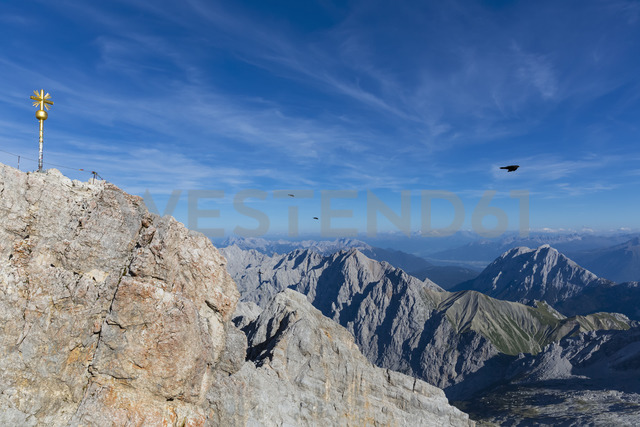 Austria, Germany, Bavaria, Zugspitze, summit cross, east peak - FOF09859