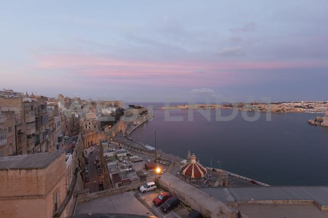 Malta, Valletta, Old town, afterglow - FCF01350