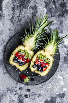 Sliced ananas with fruits, kiwi, strawberry and blueberry - SARF03588