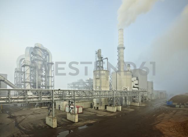 Romania, Radauti, timber industry, sawmill - CVF00154