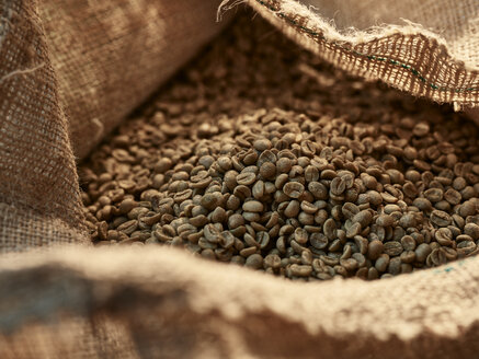 Green coffee in gunny bag - CVF00174