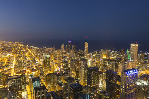 USA, Illinois, Lake Michigan, Chicago at blue hour - FOF09953