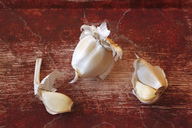Garlic cloves - JTF00930