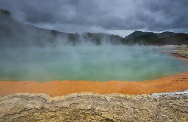 New Zealand, North Island, Wai-O-Tapu, Champagne Pool - MRF01820